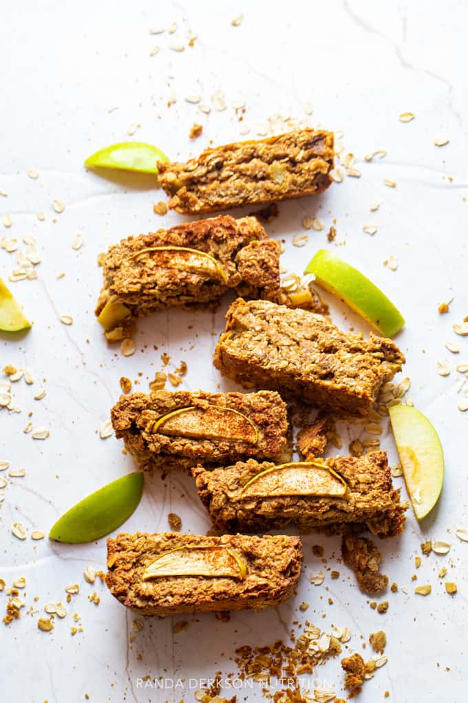 sliced apple oatmeal breakfast bars
