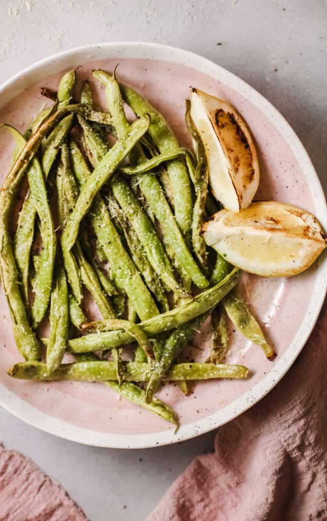 garlicky green beans side dish recipe with lemon