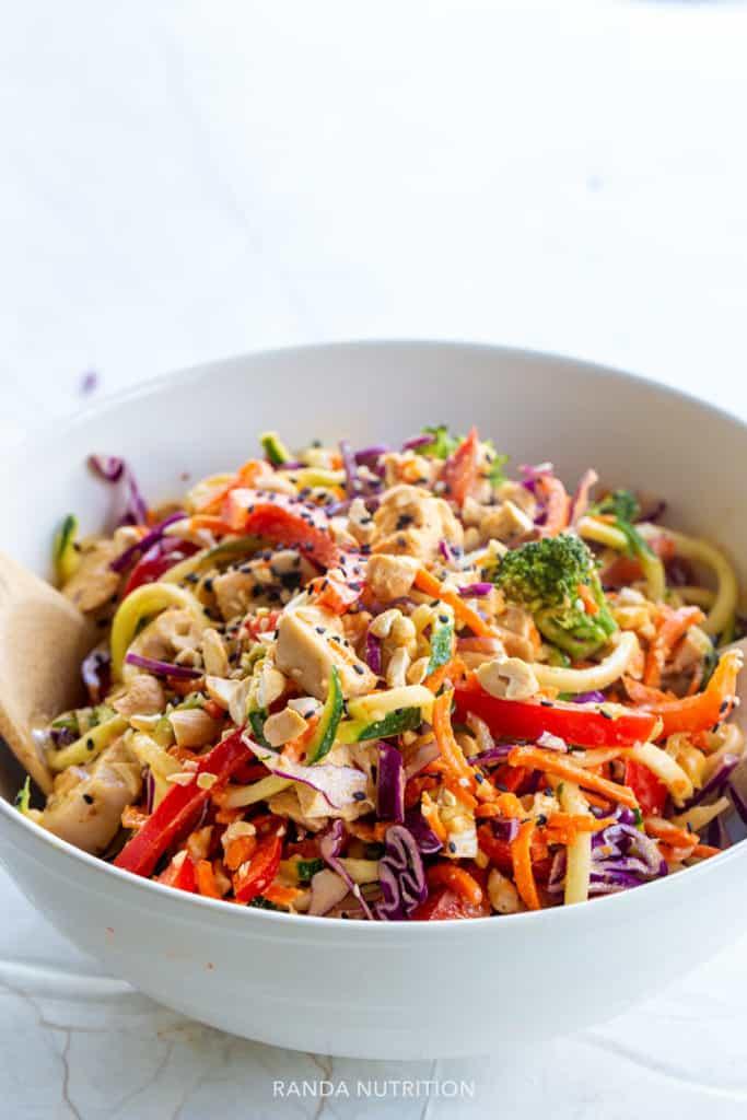 veggie noodle salad with peanut sauce