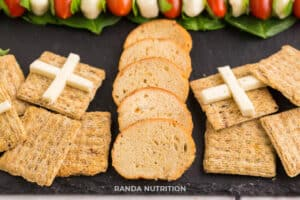 Crackers in shape of Christmas presents for appetizers