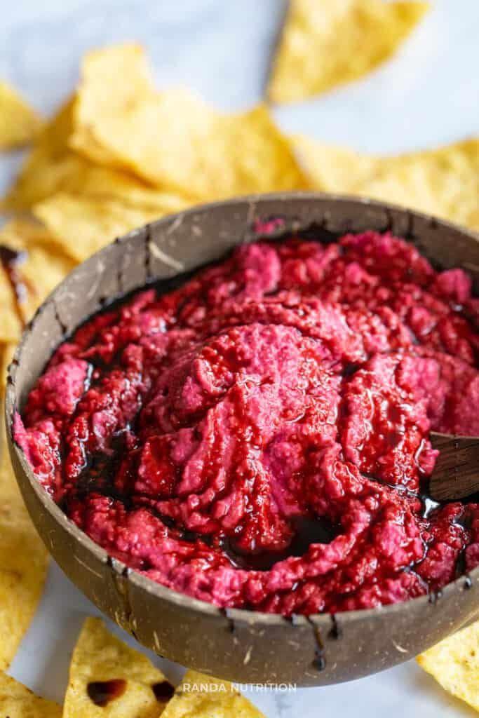 healthy party dip idea, balsamic beet dip
