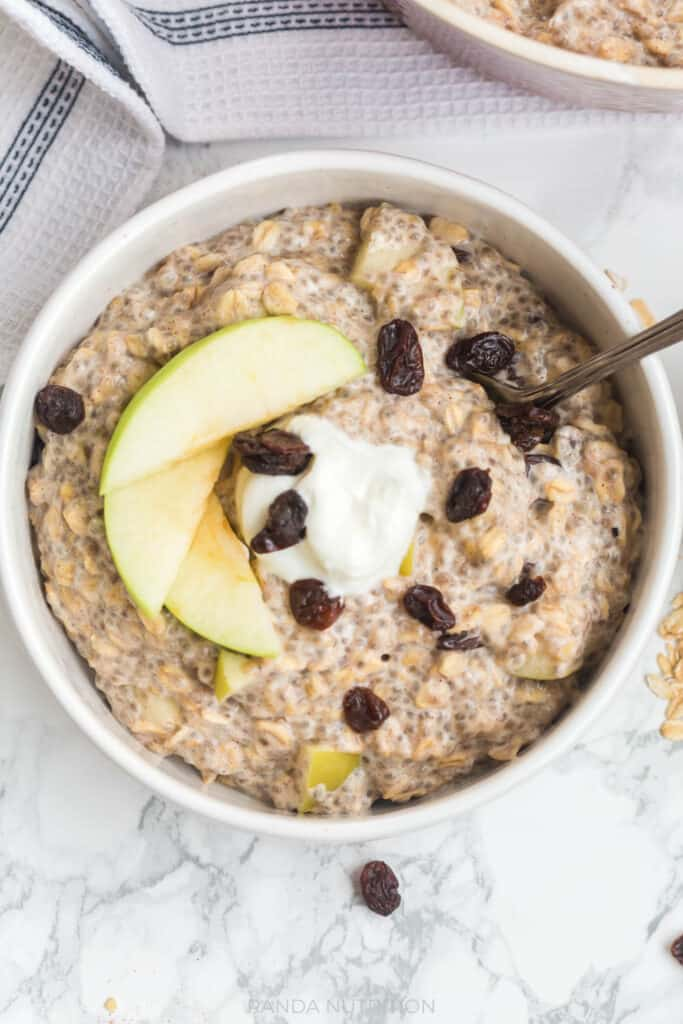 close up of apple cinnamon oats