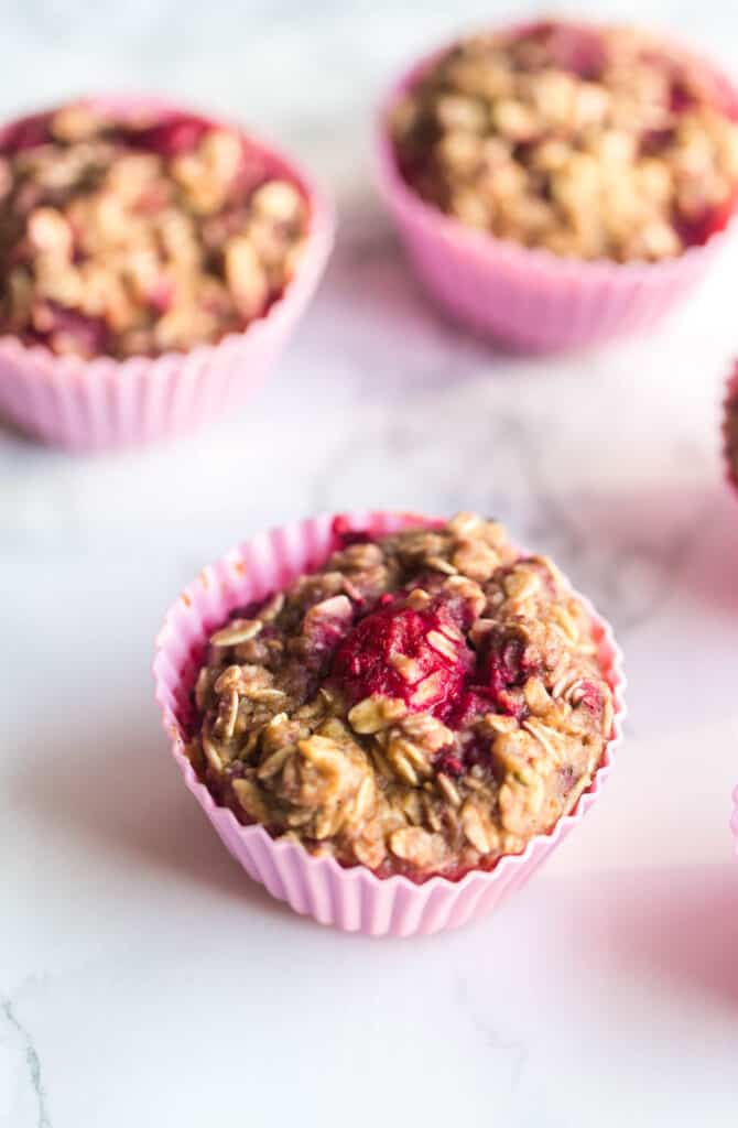 protein oatmeal cups with berries