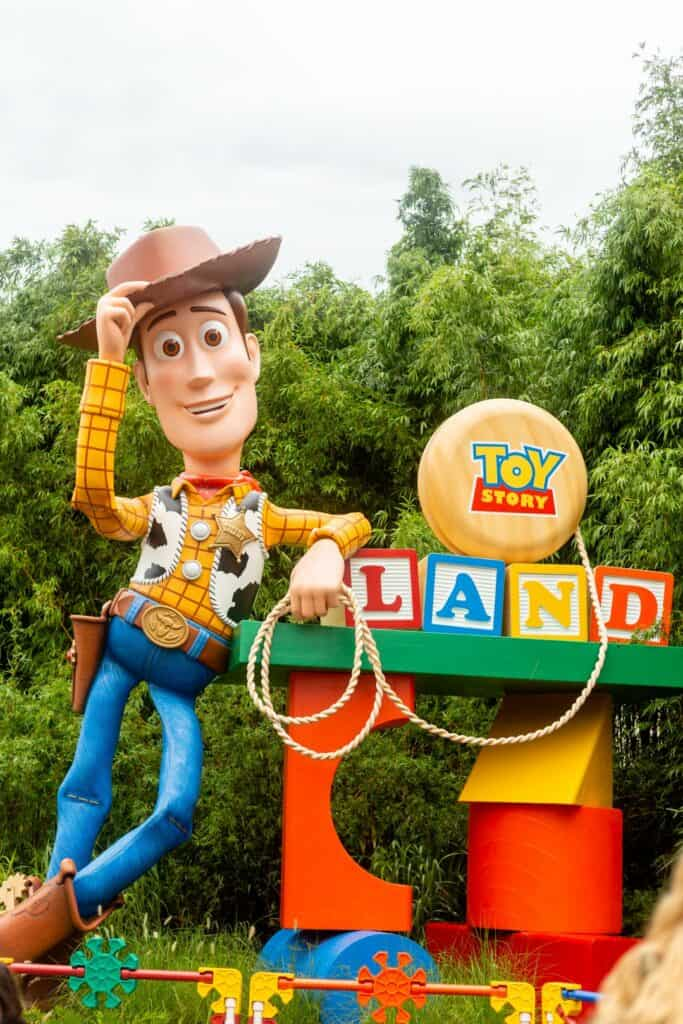 toy story land healthy food options